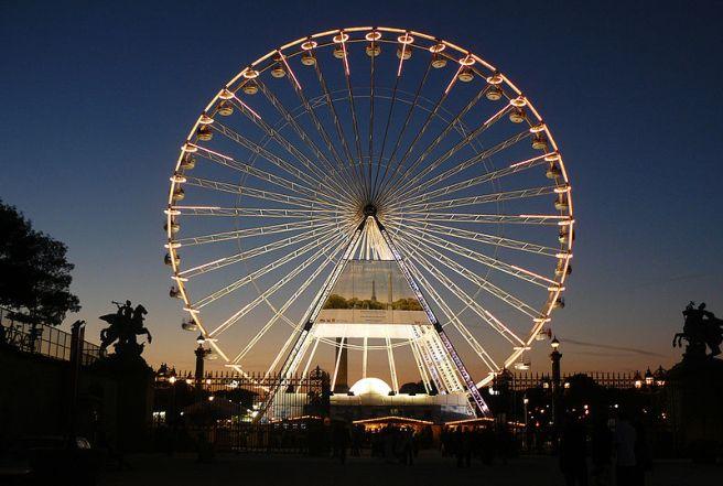 Grande Roue de Paris (Paris, France) - by marie de bueil commons.wikimedia.org
